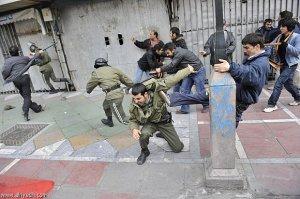 حمله فرقه خاتمیه و موسویه به ماموران نیروی انتظامی